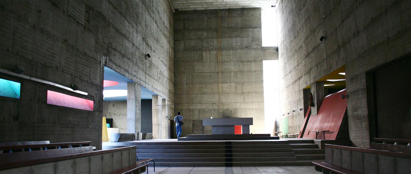 Le corbusier couvent de la tourette for Interieur d un couvent streaming