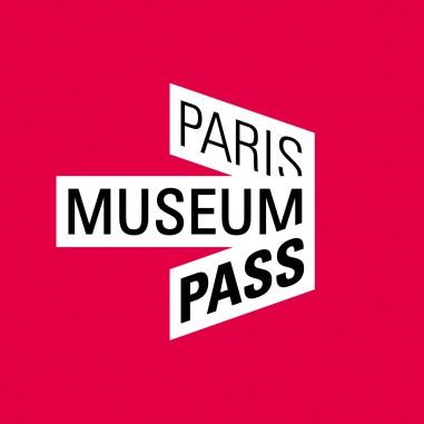 Création de l'identité de marque du Paris Museum Pass. Déclinaison de l'identité sur divers supports de communication : Plaquette, flyer, site internet...