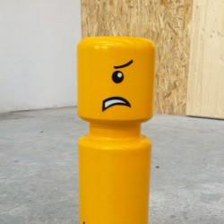 Poteau en forme de lego