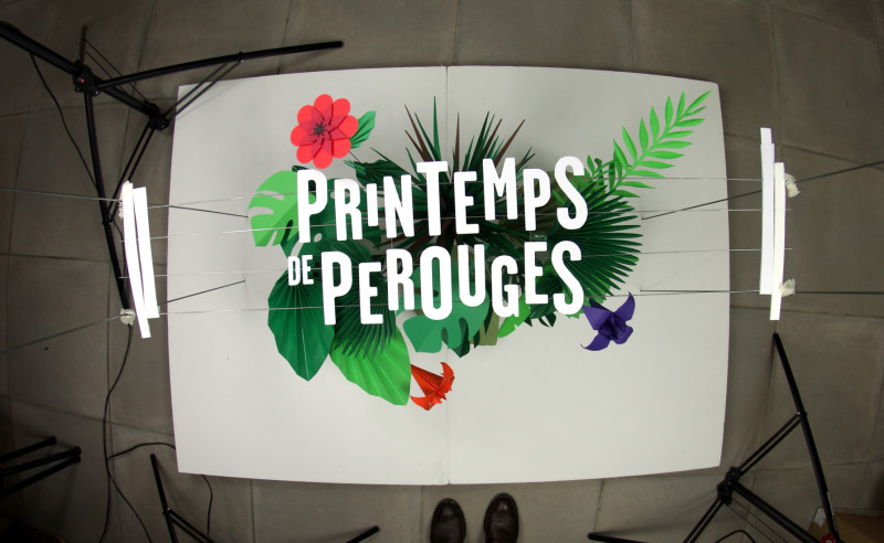 03-perouges-2015-poster-papercraft-mock-shoot