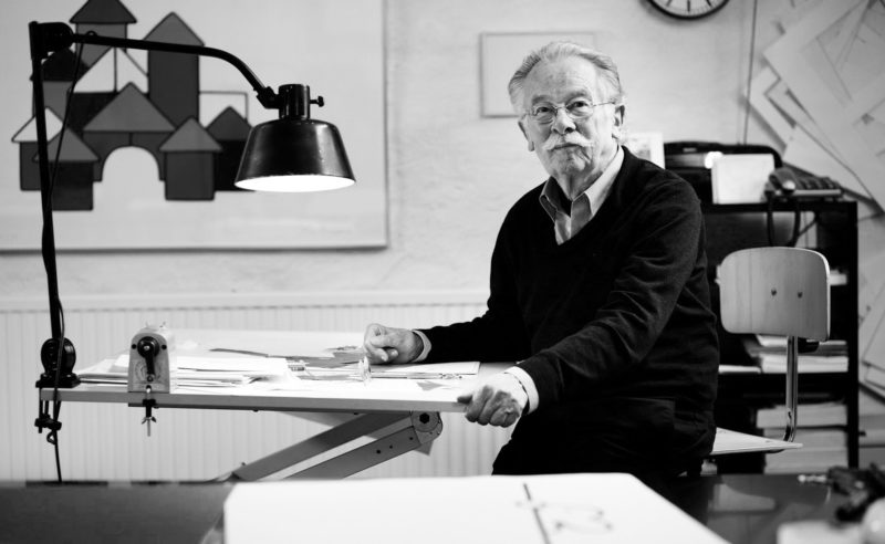 Dick Bruna, graphiste minimaliste et père du lapin le plus célèbre de la planète